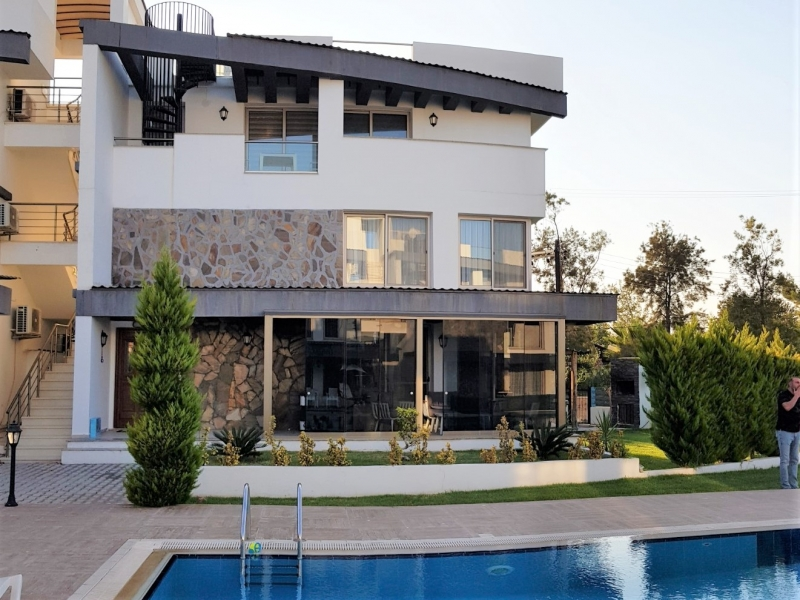 LUXURIOUS DUPLEX APARTMENT WITH PRIVATE GARDEN FOR SALE Remax Golden Cyprus