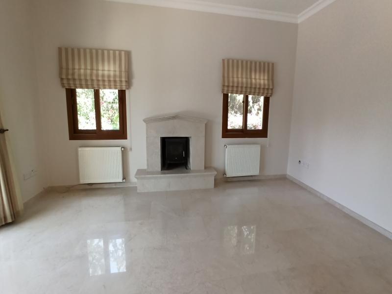 5 yatak odalı Lüks Villa Remax Golden Cyprus